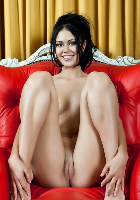 Big Tits Shaved Pussy Milf